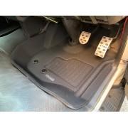 日本 CLAZZIO 豐田 TOYOTA HIACE 200系專用防水地膠地毯