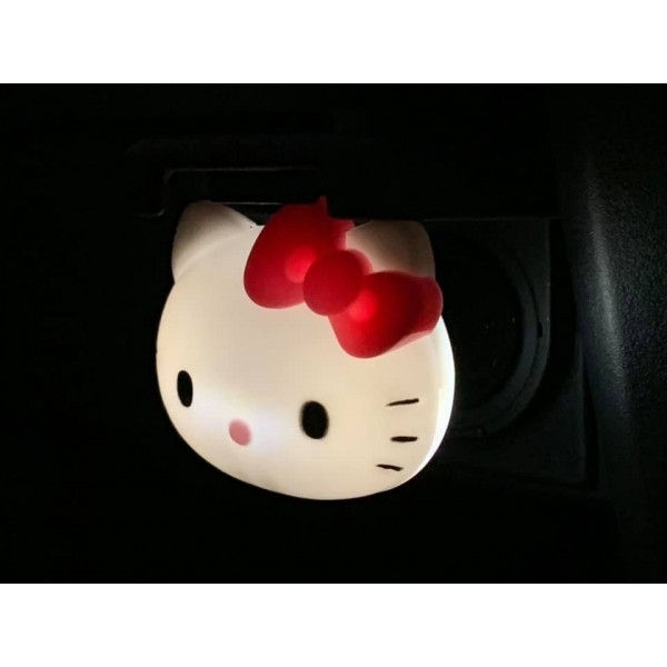 日本 SANRIO 汽車用 HELLO KITTY 12V USB 點煙器手機充電器 2.4A